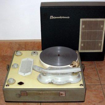 Słynny gramofon Bambino (fot. Wojciech Pys, lic. CC BY-SA 3.0)
