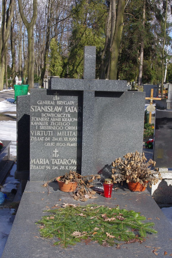 Grób Stanisława Tatara (fot. Mateusz Opasiński, lic. CCA-SA 3.0)