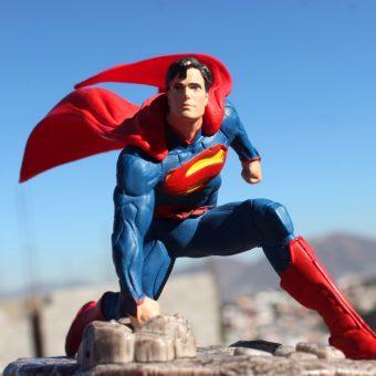 """Najsłynniejszy superbohater. Czy zwolennicy """"bohaterszczyzny"""" chcieli być tacy jak on"""" (fot. Mike Navolta, lic. CC0)"""