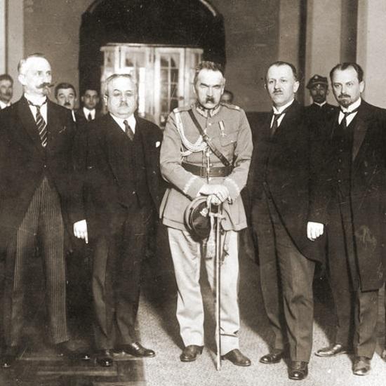 Kazimierz Bartel był pierwszym premierem powołanym po zakończeniu przewrotu majowego.