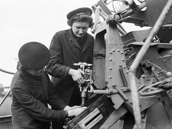 Women's Royal Naval Service było kobiecą filią Królewskiej Marynarki Wojennej Wielkiej Brytanii. Po I wojnie światowej została rozwiązana, jednak odrodzono ją ponownie w 1939 roku, aby wzięła aktywny udział w wojnie.