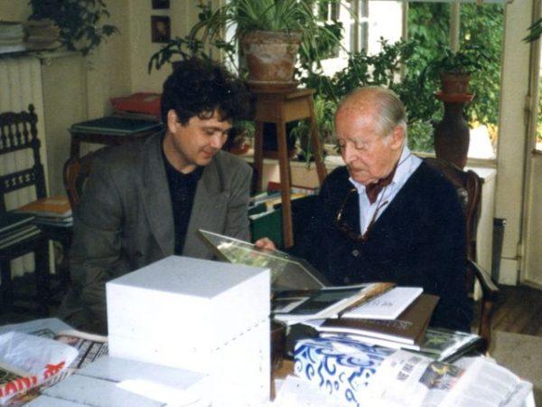 """Jedną z publikacji, w ramach działalności kutrowej Armii Andersa była """"Biblioteka Orła Białego"""" redagowana przez Jerzego Giedroyca."""