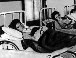 Mary Mallon w szpitalnym łóżku (fot. domena publiczna)