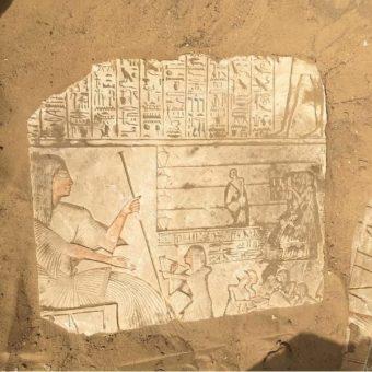 Płaskorzeźby znalezione przez misję archeologiczną kierowaną przez prof. Olę El-Aguizy (fot. materiały prasowe egipskiego Ministerstwa Starożytności)