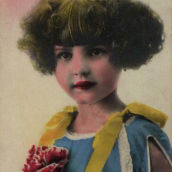 Portret anonimowej dziewczynki sprzed 1939 roku.