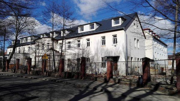 Początkowo polskie wyroby, produkowane między innymi przez Zakłady Przemysłu Bawełnianego w Prudniku (na zdjęciu), nie wyróżniały się jakością.