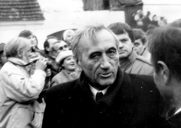 """W obozie """"Solidarności"""" nie wszyscy zgadzali się z nominacją Tadeusza Mazowieckiego."""