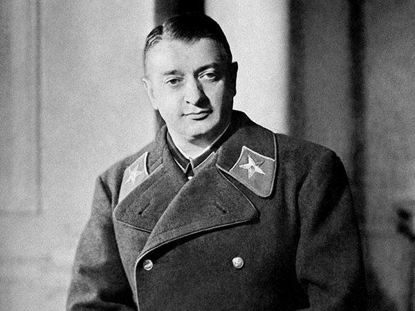 Michaił Tuchaczewski był jedną z najbardziej znanych ofiar czystki, która przetrzebiła korpus oficerski Armii Czerwonej i znacząco ją osłabiła.