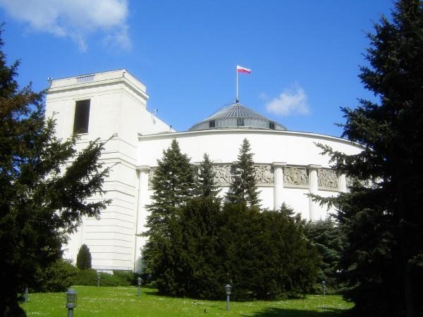 Siedziba sejmu. To tu rozegrała się słynna debata z 2004 roku w sprawie reperacji niemieckich dla Polski.