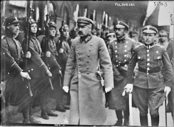 """""""Dyktatura Józefa Piłsudskiego pogłębiła i zaostrzyła do granic ostatecznych te wszystkie trudności życia polskiego"""" - napisali przedstawiciele Centrolewu."""