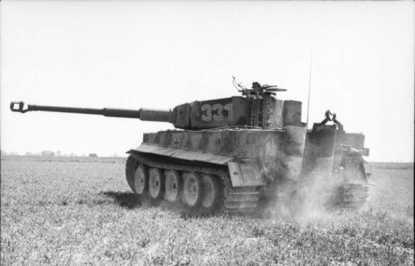 Ciężkie niemieckie czołgi wcale nie sprawdziły się lepiej na froncie zachodnim.