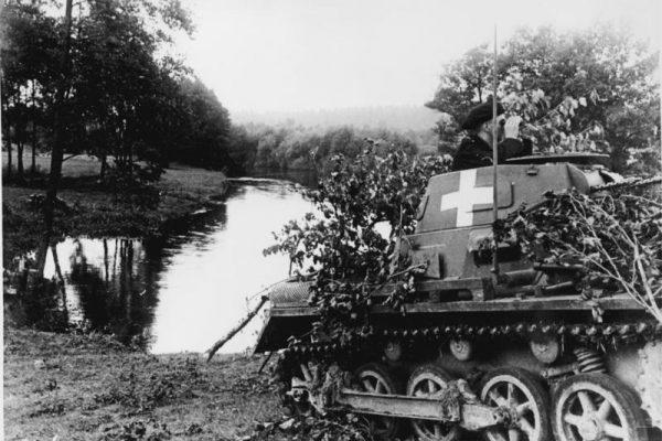 Polacy walczyli między innymi przeciwko lekkim niemieckim czołgom PzKpfw typu I. Zdjęcie z 4 września 1939 roku.