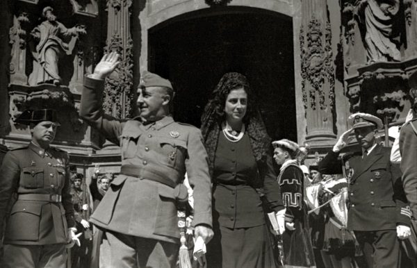 Francisco Franco z żoną (fot. Vincente Martin, lic. CCA SA 3.0 U)