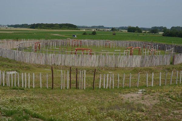 Niemieckie Stonhenge (fot. Torsten Maue, lic. CCA SA 2.0 G.)