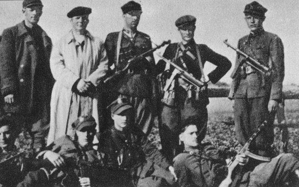 Oficerowie Armii Ludowej na Lubelszczyźnie. Zdjęcie poglądowe (fot. domena publiczna)