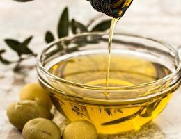 Oliwa z oliwek (fot. stevepb, lic. CC0)