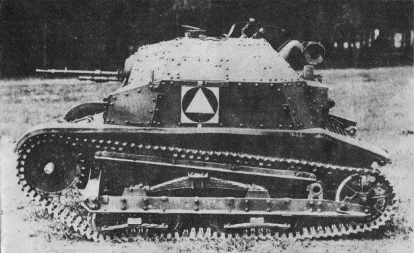 21 Dywizja Pancerna dysponowała 13 lekkimi czołgami TKS.