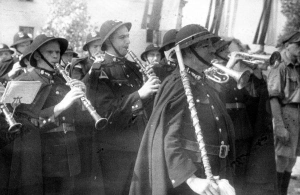 Polska orkiestra wojskowa na fotografii z 1938 roku. Ilustracja poglądowa.