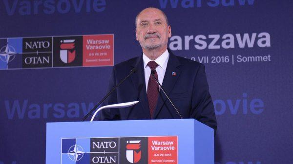 """Od stycznia 2018 roku Antoni Macierewicz nie jest już szefem MON. Ale czy Kaczyński nie zaczął w międzyczasie sam """"mówić Macierewiczem""""?"""