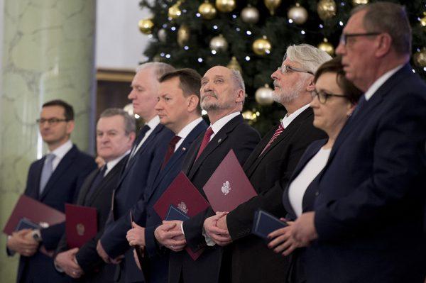 Antoni Macierewicz do niedawna zajmował eksponowane stanowiska w kolejnych rządach PiS.