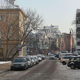 Jak doszło do wybuchu czołgu, który zabił kilkaset osób? Na zdjęciu ulica Jana Kilińskiego w Warszawie obecnie.