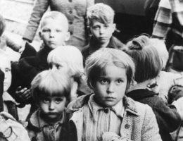 Przesiedlenia po II wojnie światowej dotknęły wiele milionów ludzi.