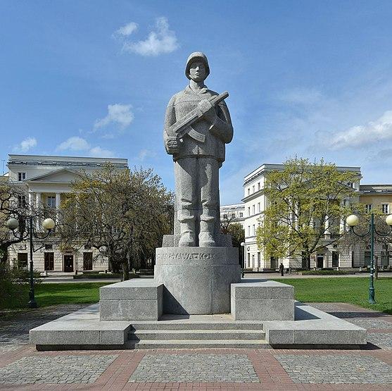 Pomnik żołnierza 1 Armii Wojska Polskiego w Warszawie.