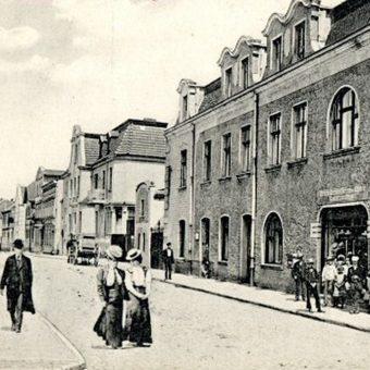 Chodzież na pocztówce z 1915 roku.