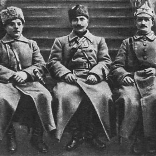 Dowódcy 1 Armii Konnej. W środku siedzi Budionny.