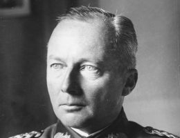 Feldmarszałek Günther von Kluge, dowódca niemieckiej 4 Armii.