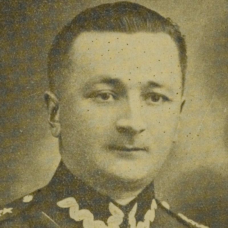 Kapitan Paweł Cyms.