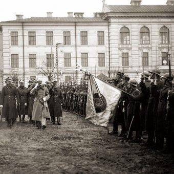 Przegląd oddziałów Wojska Polskiego po zajęciu Wilna.