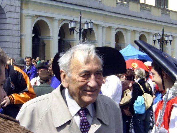 Tadeusz Mazowiecki (fot. Ireneusz S. Wierzejski, lic. GNU FDL)