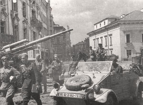 Armia Czerwona wkroczyła do Wilna w lipcu 1944 roku.