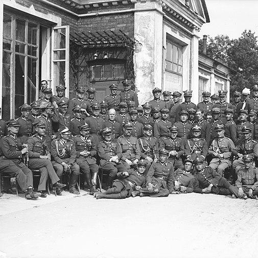 Oficerowie i podoficerowie 27 Dywizji Piechoty w 1928 roku.