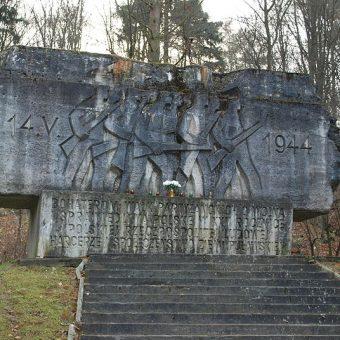 Pomnik upamiętniający bitwę pod Rąblowem.