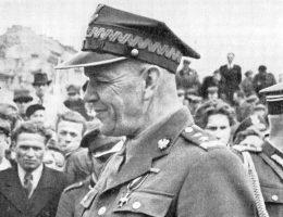 Oddziałami 1 i 2 Dywizji Piechoty dowodził generał Zygmunt Berling.
