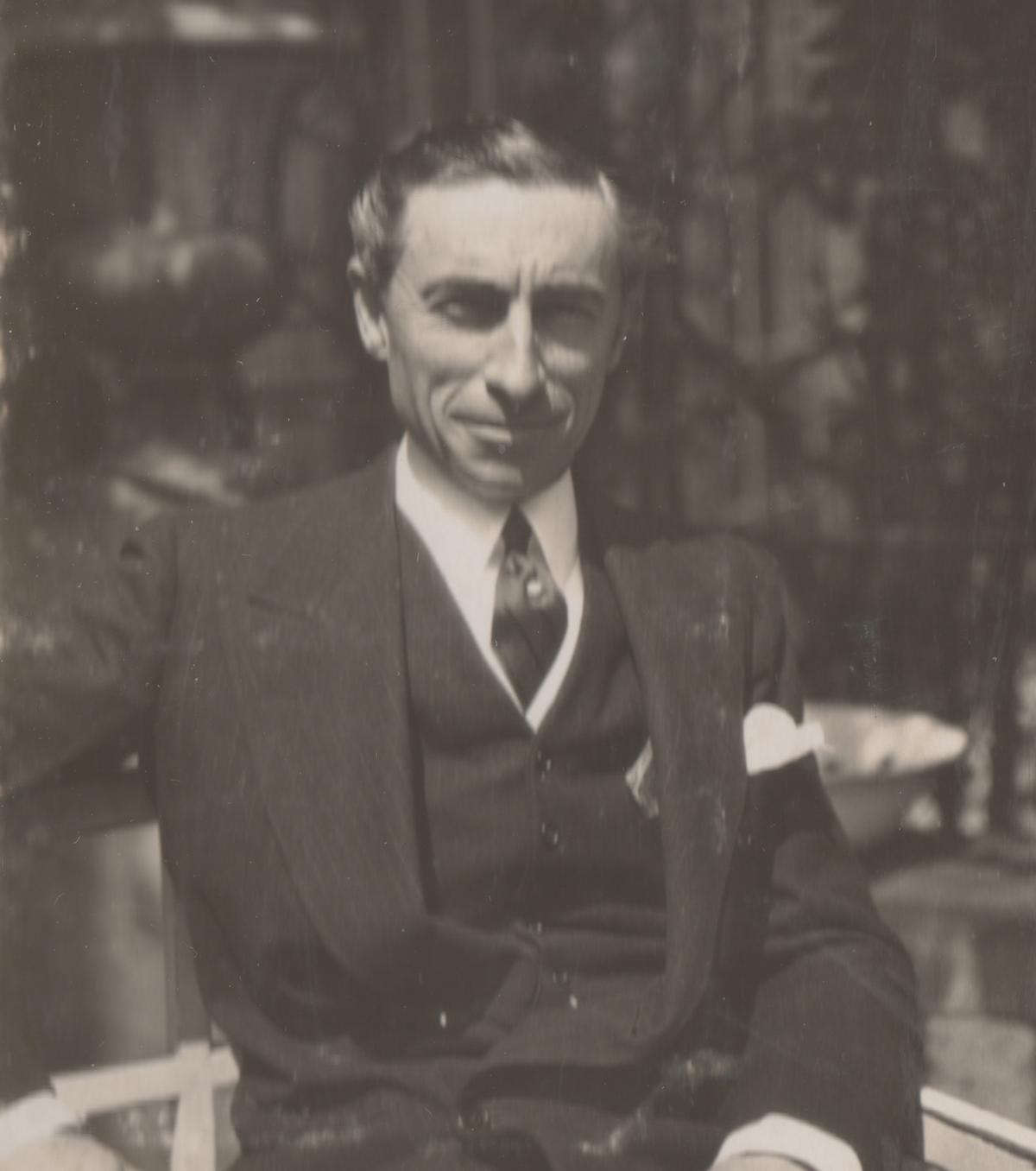 """Hugh Gibson na zdjęciu z 1922 roku. Ilustracja z książki """"Amerykanin w Warszawie""""."""