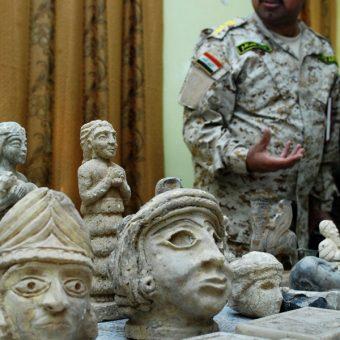 Przykłady artefaktów odzyskanych przez Irak w 2008 r (fot. domena publiczna)