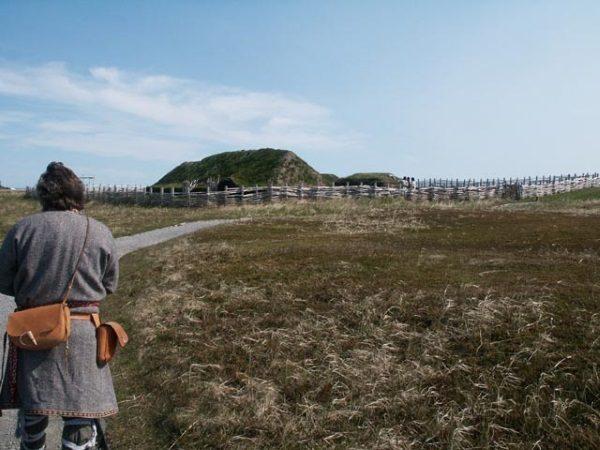 Rekonstrukcja domostwa wikińskiego na Grenlandii (fot. domena publiczna)