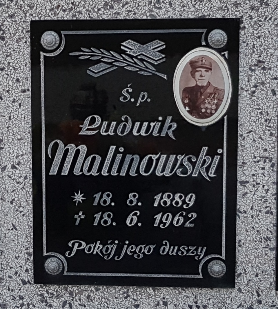Tablica nagrobna Ludwika Malinowskiego (fot. IMnext, lic. CC BY-SA 4.0)