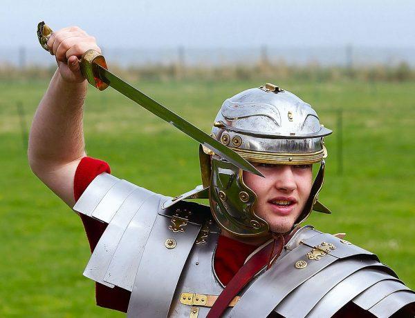 Flamma walczył uzbrojony w widoczny na zdjęciu krótki miecz - gladius - którego używali też żołnierze rzymskiej armii.