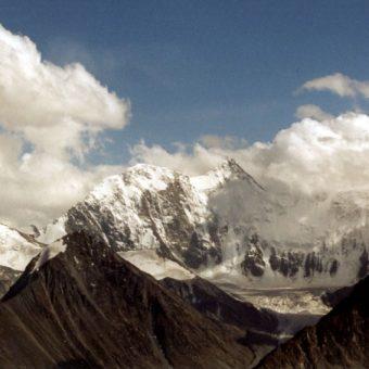 Co jeszcze mogą skrywać jaskinie pozostaje kwestią otwartą. Ałtaj jest masywem górskim, który rozciąga się w Azji Środkowej na ponad 2000 km.