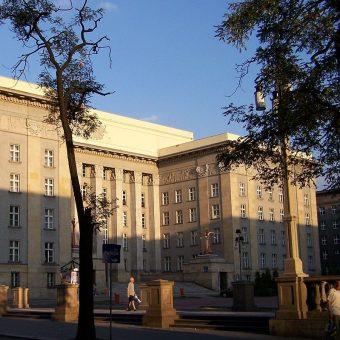Sejm Śląski I kadencji obradował w latach 1922-1929. Budowę jego siedziby ukończono dopiero pod koniec tego okresu.