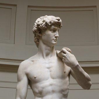 Rzeźba Michała Anioła przedstawia Dawida tuż przed walką z Goliatem.