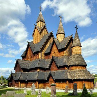 Kościół klepkowy w Heddal w Norwegii, którego początki sięgają XIII wieku (fot. Micha L. Rieser)