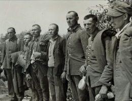 We wrześniu 1939 roku do sowieckiej niewoli dostało się około ćwierć miliona polskich żołnierzy. Na zdjęciu z 1941 roku polscy jeńcy, którzy przebywali w niewoli do czasu niemieckiej inwazji na ZSRR.