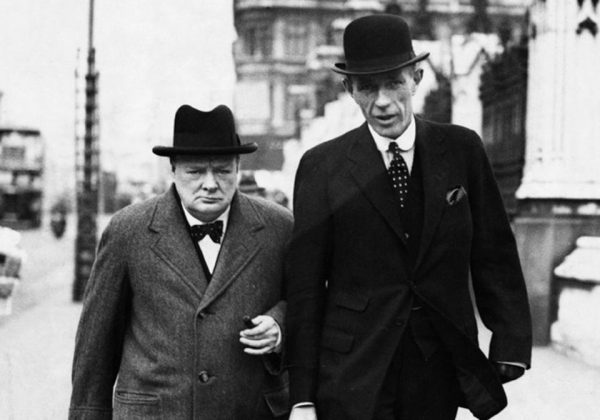"""Winston Churchill (na zdjęciu z lordem Halifax) w 1938 roku nawoływał szczerze do utworzenia """"wielkiego sojuszu"""" ze Związkiem Radzieckim i krajami Europy Wschodniej w celu powstrzymania Hitlera."""
