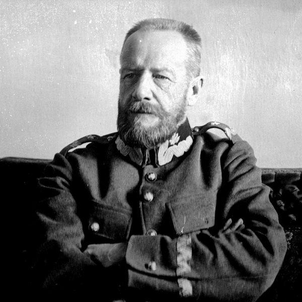 """Generał Lucjan Żeligowski zajął Wilno, wcześniej """"wypowiedziawszy posłuszeństwo"""" Rzeczpospolitej."""
