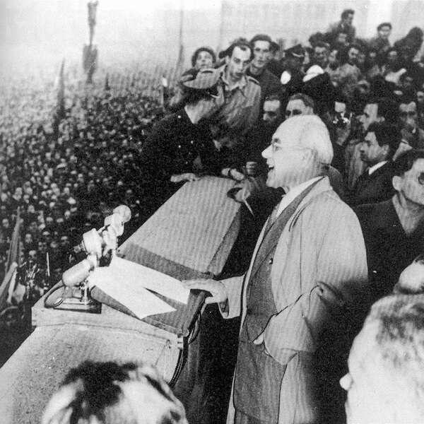 Władysław Gomułka został wybrany na stanowisko I sekretarza KC PZPR 21 października 1956 roku.